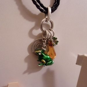 NWT BOTIQUE LUCKY FROGS NECKLACE & BROOCHES RETAIL